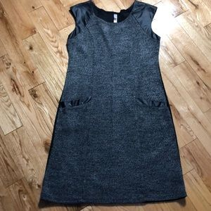 Sleeveless dress gray and black